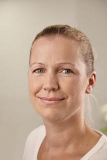 Frau Dr. Ernst